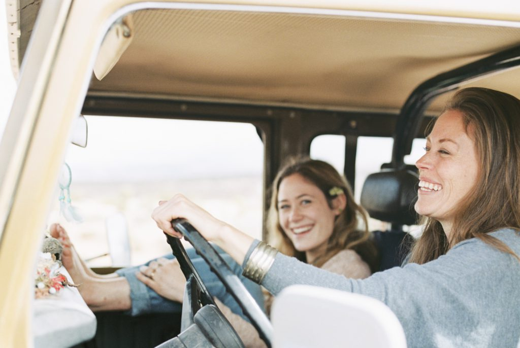 two-women-on-an-outing-in-the-desert-in-a-4x4